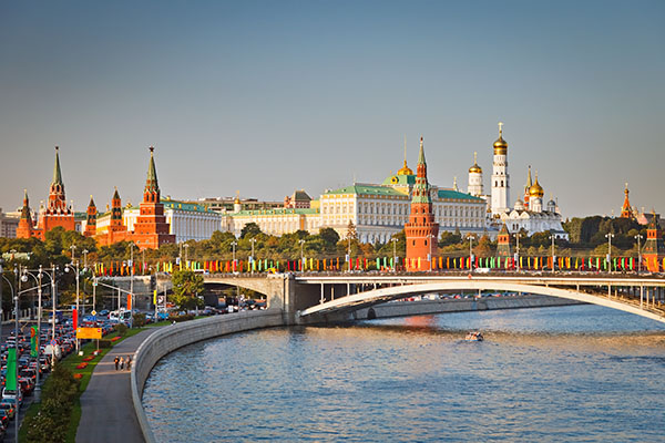 kremlin-at-sunset-moscow_web